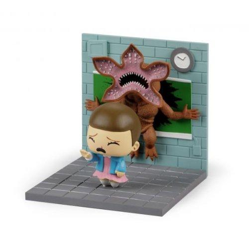 Loot Crate Exl Stranger Things Eleven vs Demogorgon Diorama