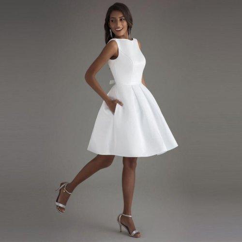 Short Wedding Dresses Open Back Robe De Mariage Simple Backless Satin Bridal Dresses Elegant Women Wedding Gown